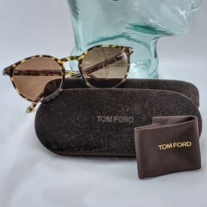 Auth. Tom Ford round brown sunglasses